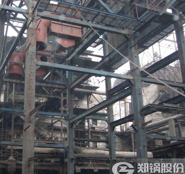 郑锅110吨外循环流化床电站锅炉安装现场图.jpg